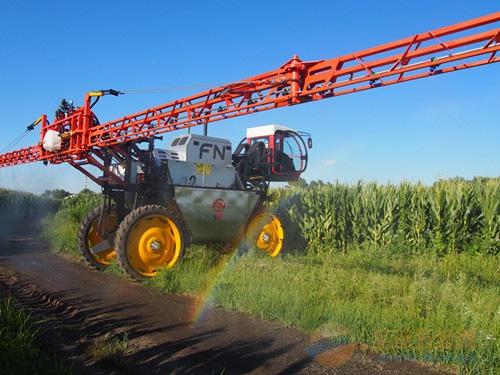 国家自走式植保机械科技创新联盟成立