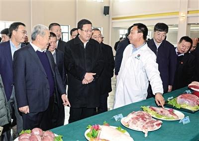 锡林郭勒首批安格斯肉牛精深加工生产线投产运行